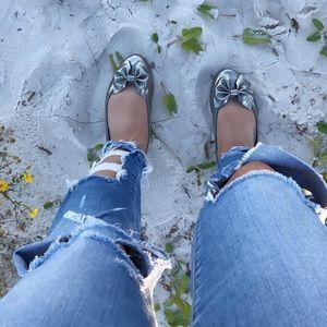 🎀 Metallic Silver Bow Flats